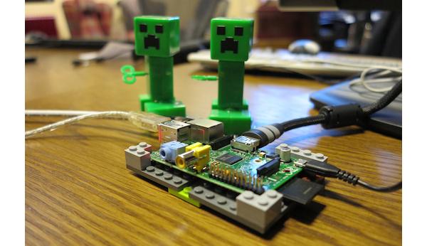 Mojang tuo Minecraftin Raspberry Pi -minitietokoneelle
