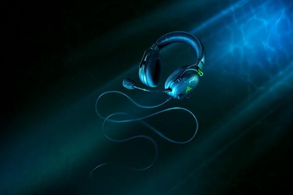 Razer julkaisi BlackShark V2 -kuulokkeet uudenlaisella kuuloke-elementillä