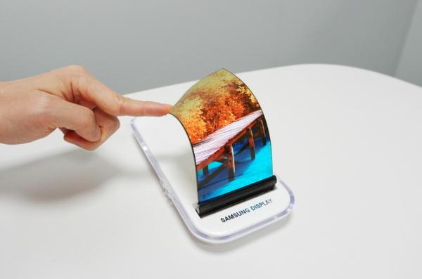 Seuraavien iPhonien näytöt lähes kokonaan Samsungin käsialaa?