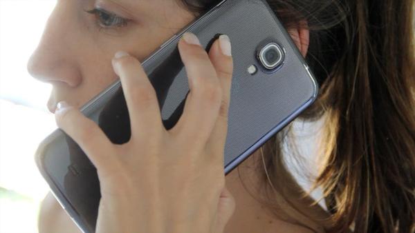 Eurooppalaiset puhletin omistajat päivittävät muita herkemmin pienempään älypuhelimeen