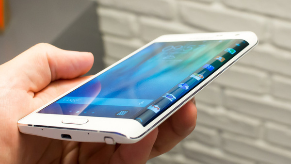 Strategy Analytics: 1.4 billion smartphones shipped in 2015