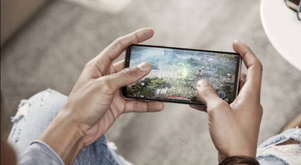 Galaxy S9:n näyttöä ylistetään – Maailman paras näyttö