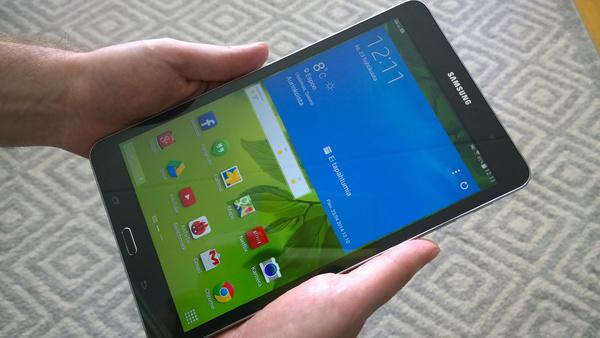 Arvostelussa Samsung Galaxy Tab Pro 8.4 WiFi: Löytyykö tabletista muutakin kuin nätti näyttö?