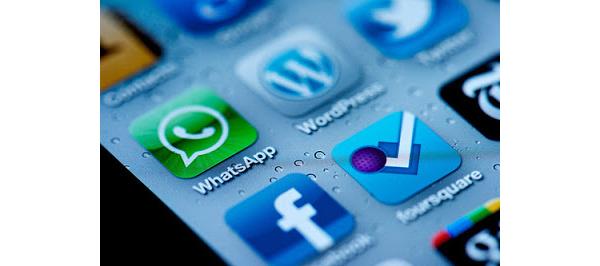 Pikaviestipalvelu WhatsApp haastaa jo tekstiviestit