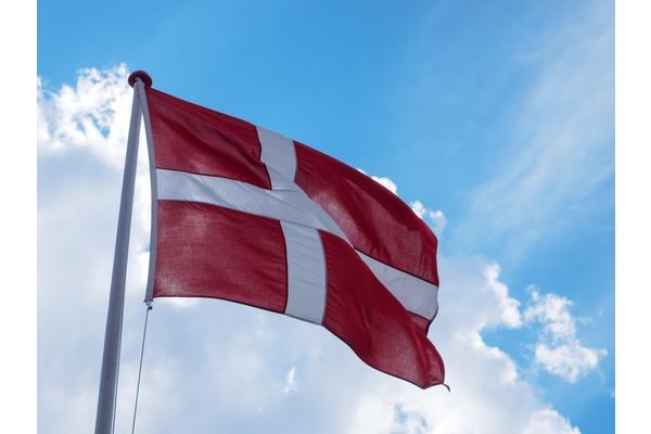 Tanskakin haluaa Googlen ja Facebookin maksavan uutissivustoille
