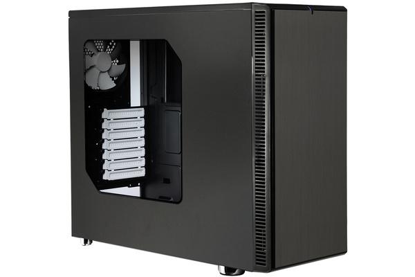Päivän diili: Fractalin ikkunalla varustettu tietokonekotelo alle puoleen hintaan