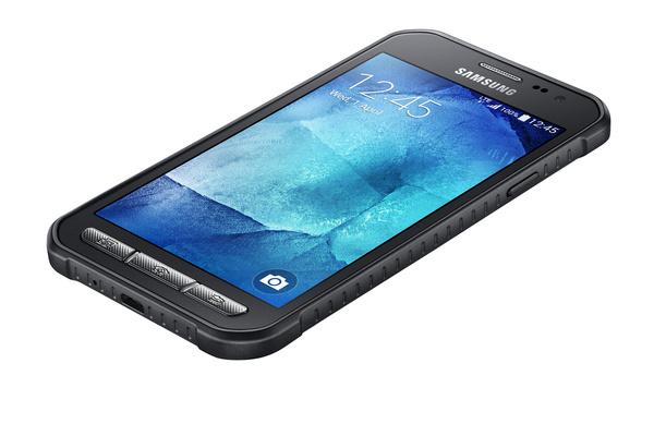 Samsung esitteli pölyä ja vettä kestävän Galaxy Xcover 3:n
