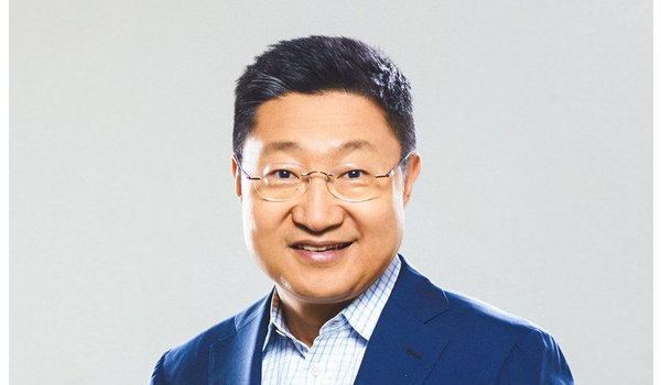 Samsung-pomo siirtyi Nokia-johtajaksi