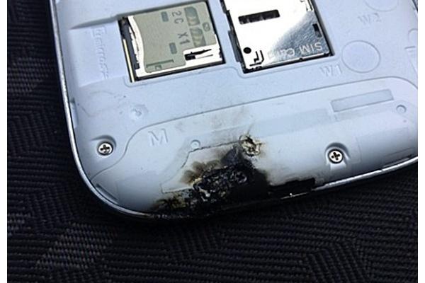 Kärähtäneen Galaxy S III:n arvoitus selvisi - vika ei puhelimessa