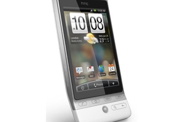 Sankaripuhelin testissä, onko HTC Hero ensimmäinen oikea iPhonen tappaja?