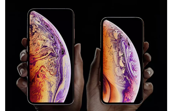 Apple rumored to offer two iPhones with OLED and triple cameras this year