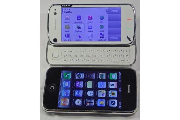Nokia N97 vastaan Apple iPhone 3GS - kumpi vie voiton?