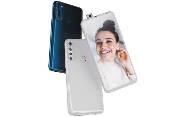 Motorolalta uusi pop-up-kameralla ja suurella akulla varustettu One Fusion+