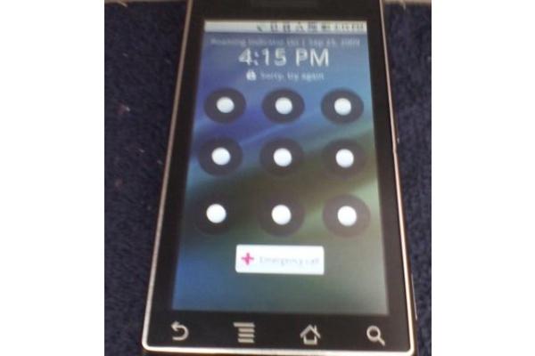 Motorolan toisesta Android-puhelimesta vuoti julkisuuteen live-kuvia