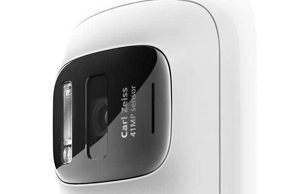 Nokian Dinning selittää 808:n ja Lumia 920:n kameroiden eroja