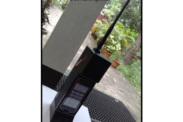 Nokia N97 piiloon varkailta Cityman-naamioinnilla