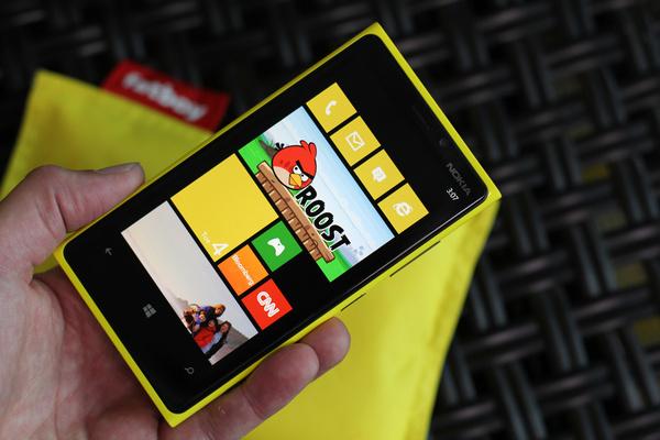 Nokia paljasti Lumioiden hinnat Saksassa: 649 ja 499 euroa