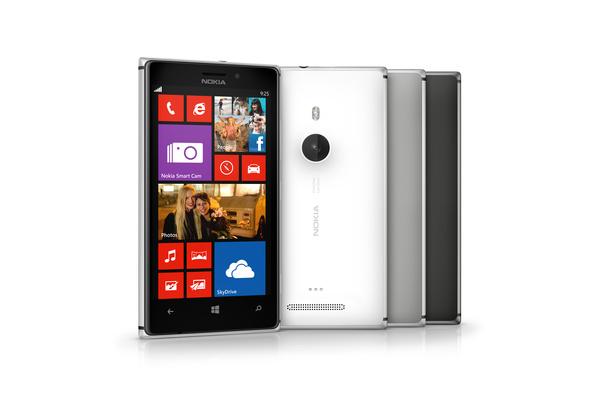 Nokia Lumia 925 tulee myyntiin Suomessa tänään