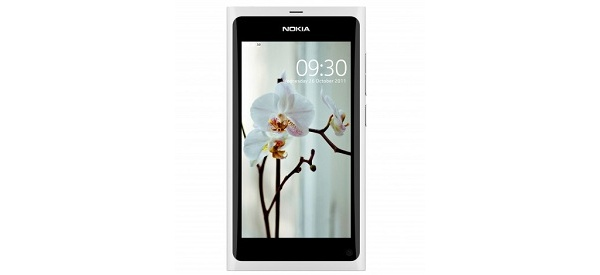 Nokia toi valkoisen N9:n kauppoihin