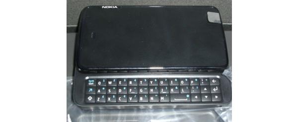 Kiihkeä odotus jatkuu: Nokian Maemo-puhelimen käyttöliittymästä ensimmäiset kuvat, PÄIVITYS: uusi laitekuva