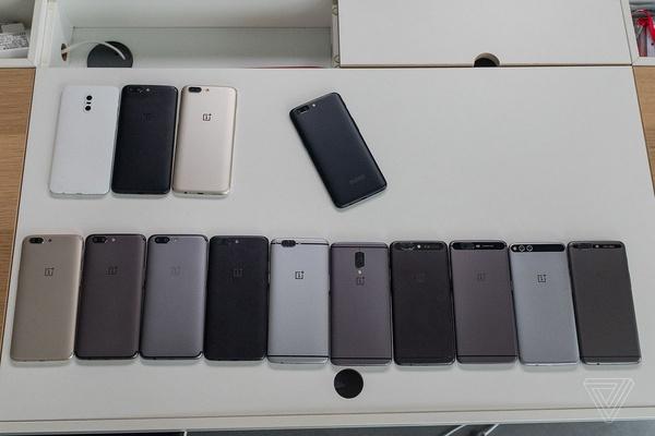 OnePlus paljasti The Vergelle valtaisan määrän OnePlus 5 -prototyyppejä
