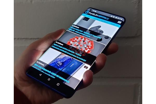 Kommentti: Hylkääkö OnePlus aivan huippupuhelinten kisan?