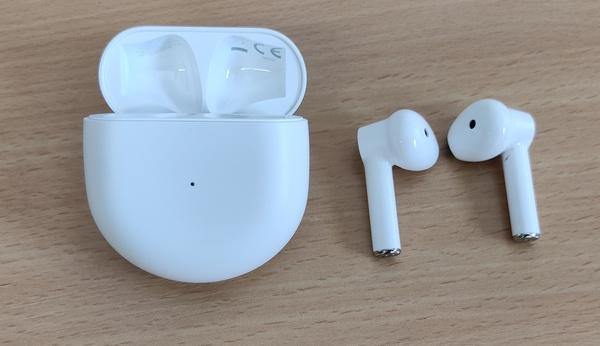 Nolo moka: Tulli luuli OnePlus-kuulokkeita Apple-väärennöksiksi