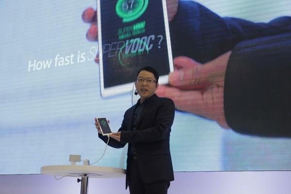 Kiinalaisvalmistajan puhelimesta vuosi lisätietoja, lataa täyteen 15 minuutissa