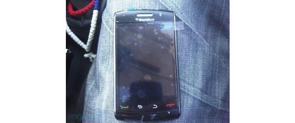 RIM BlackBerry Storm 2 tuo taas omanlaisensa kosketusnäytön?