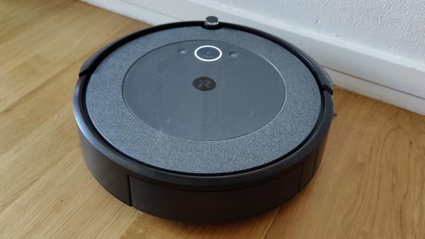 Arvostelussa Roomba i3+ itsestään tyhjentävä robotti-imuri