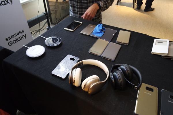 Tältä näyttävät uusien Galaxy-huippupuhelinten lisävarusteet