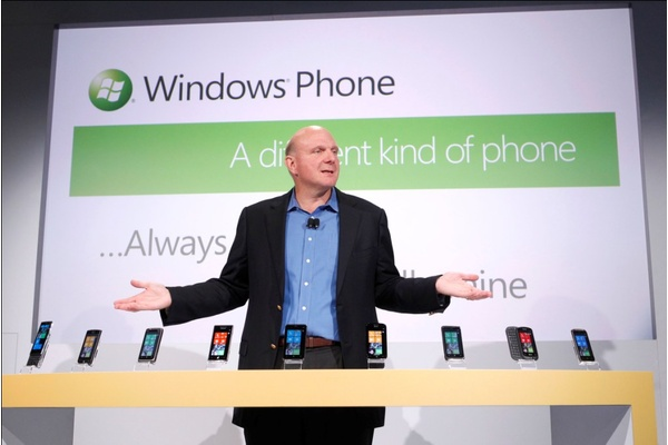 Ballmerilta kovaa kritiikkiä: Universaalit sovellukset ei riitä, Android sovellukset saatava Windowsille