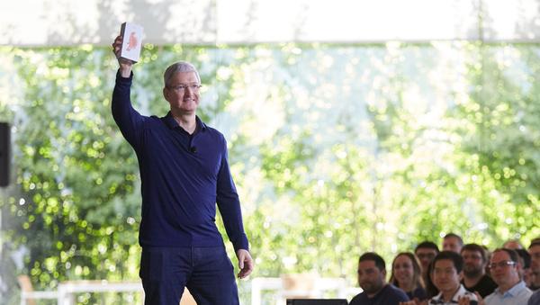 Apple saavutti uuden virstanpylvään: Miljardi iPhonea myyty