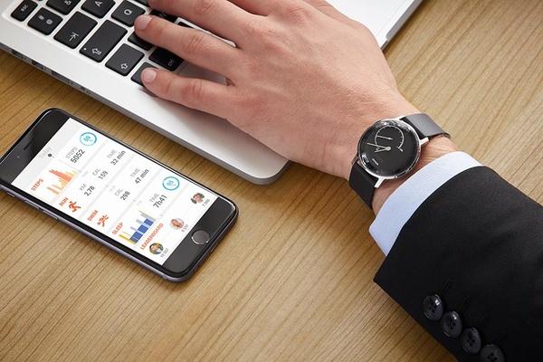 Nokialla on jälleen käsissään palava lautta – Uusi muistio vuoti julki