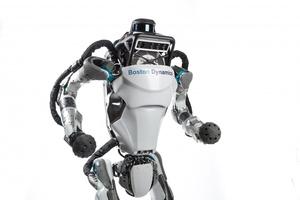 Häkellyttävä video robotista – Pystyisitkö itse samaan?