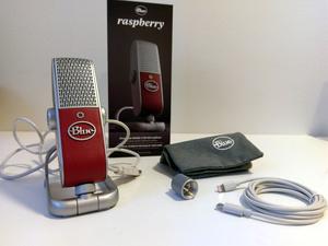 Esittelyssä mukana kulkeva Raspberry-USB-mikrofoni