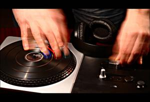 Teosto ja Gramex uusivat DJ-lisenssit, tuplalaskutus hämmentää edelleen