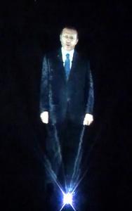 Politiikkaa show-tyyliin: Turkin pääministeri piti puheen hologrammina