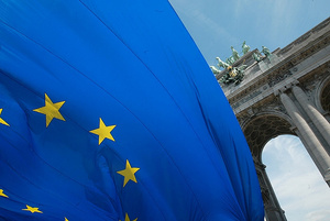 EU ja Japani tutkimaan verkkotekniikoita - tavoitteena 100 Gbps kuituyhteydet