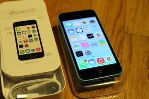 Review: The colorful 'new' iPhone 5C