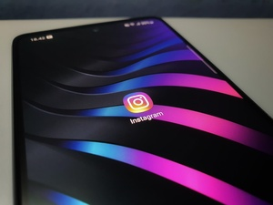 Right now: Instagram is down, globally