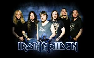 Update! Iron Maiden gaat achter piraten aan.... om voor hun te spelen