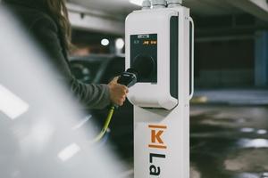K-Latauksen perus- ja suurteholatauspisteiden hinnoittelu muuttuu minuuttiperusteisesta kWh-perusteiseen kesän aikana