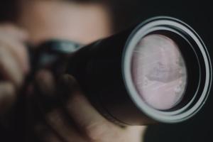Leica iski arkaan paikkaan Kiinassa – Poisti tämän mainosvideon netistä