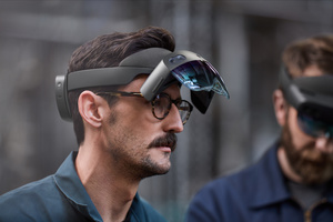 Microsoft revealed HoloLens 2 with improved FOV and resolution