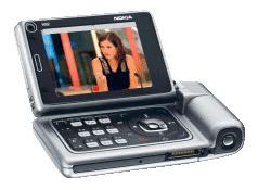 Nokia: kännykät vie MP3-soitinten ja kameroiden markkinat