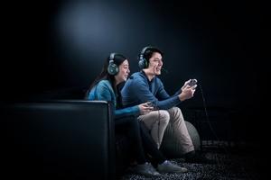 Razer julkaisi Kaira Pro -kuulokkeet - suunniteltu uusille Xbox -pelikonsoleille
