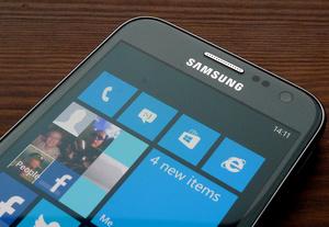 Arvostelussa Samsung Ativ S: Tuttu laite uusilla tempuilla