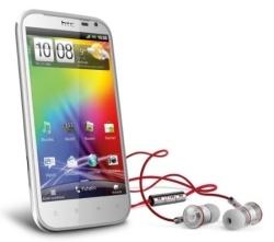 Testissä HTC Sensation XL: multimediapuhelin isolla näytöllä