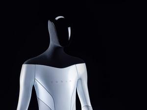 Tesla kehittää ilmismuotoista ja tekoälyllä toimivaa humanoidirobottia
